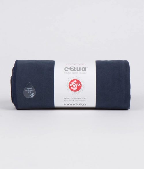 Manduka eQua Yoga Handdoek - Midnight (Klein)