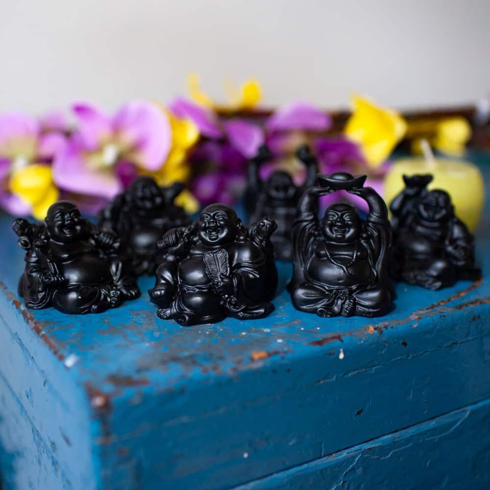 zwarte mini boeddha beeldjes