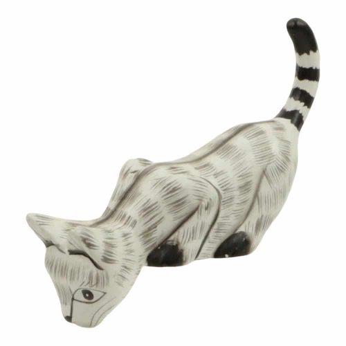 Houten Kat kijkt naar Beneden